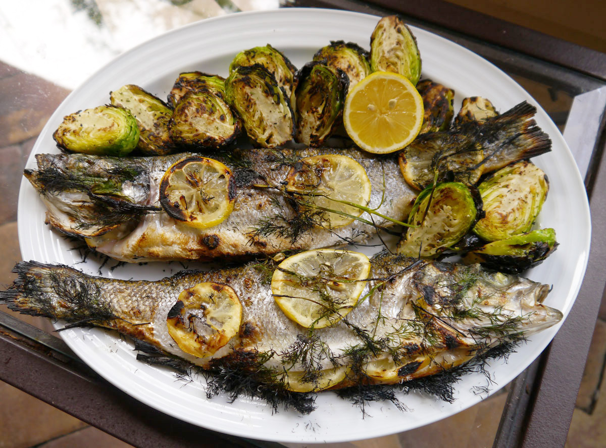 How to grill a whole fish cook better than most for How to cook fish on the grill